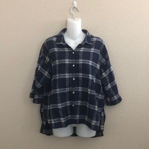 Old Navy plaid short sleeve button down shirt